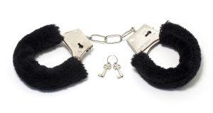 handcuffs-1503841_1280